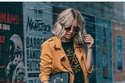 اللون الأصفر الخردلي يتربع على عرش موضة شتاء 2018