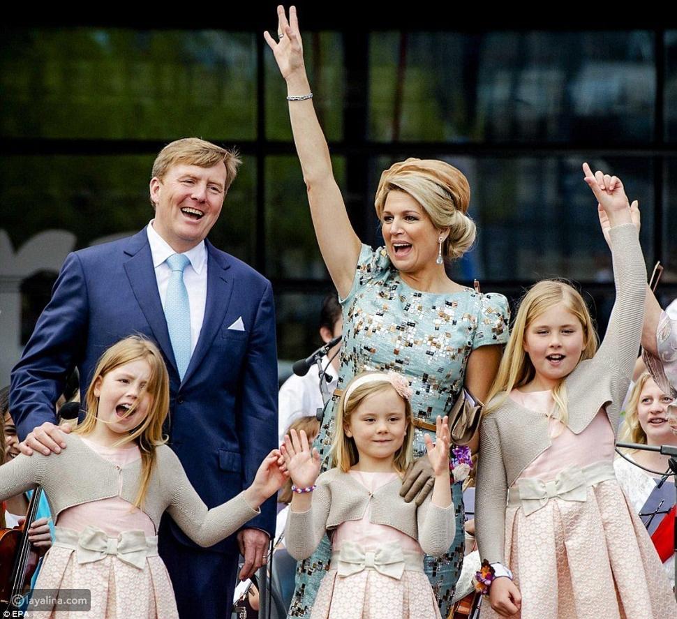 رحلة الملكة ماكسيما إلى قصر هولندا: رمز الأناقة في عيدها الـ50