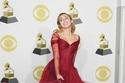 مايلي سايروس بفستان المصمم Zac Posen بحفل Grammy Awards 2018
