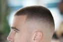 قصات شعر قصير الخفيف