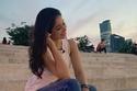 صور حذاء أسيل عمران الصيفي بألوان قوس قزح يشعل ضجة.. اكتشفي ماركته