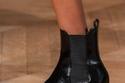صيحات متنوعة للأحذية بتصميمات مختلفة