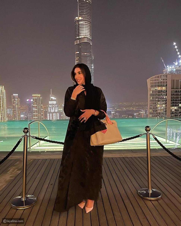 بعباءة خليجية وحجاب: ياسمين صبري تهنئ متابعيها بشهر رمضان