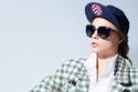 عارضة الأزياء المعتزلة كارا ديليفين تعود في إعلان لمجموعة نظارات شانيل الجديدة
