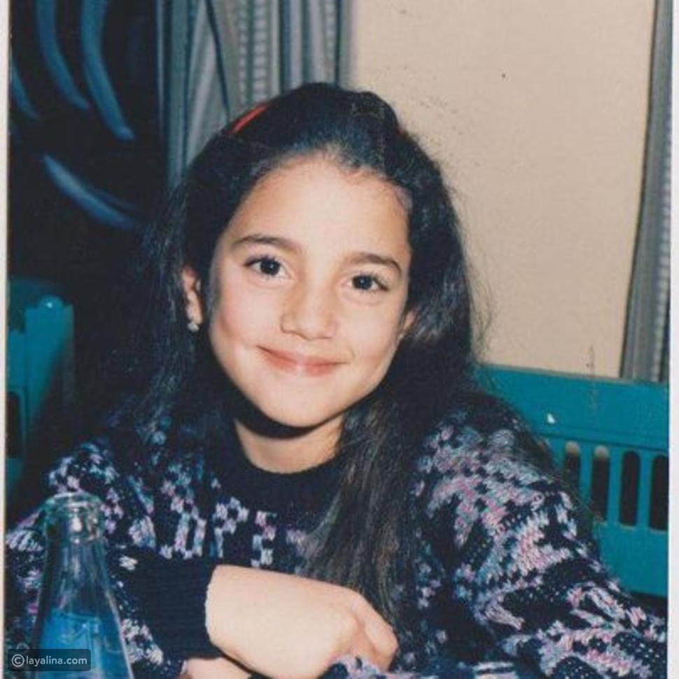 صورة من طفولة الفنانة درة