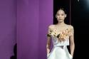 فستان قصير أبيض من مجموعة Alexis Mabille هوت كوتور شتاء 2021