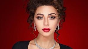 فيديو ميريام فارس تشعل الأجواء بتصرفها مع معجبة سعودية على خشبة المسرح