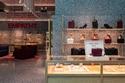 مجموعة الحقائب والأحذية في محلات Valentino