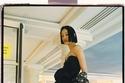 فستان أسود بلا أكمام مميز من مجموعة Lanvin لخريف 2021
