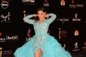 الفنانة مي عمر تستعرض فستانها