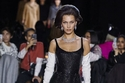 Marc Jacobs يختتم أسبوع الموضة في نيويورك بلمسة من الستينات