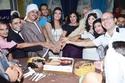 عزة مجاهد تحتفل بعيد ميلادها مع والدتها فيفي عبده وزوجها محمود دسوقي