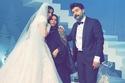 لقطة من حفل زفاف فرح الهادي الثاني مع زوجها ووالدتها