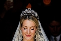 تسريحات عروس بالتاج الفضي