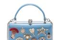 """حقيبة زرقاء مطبعة من """"Alexander McQueen"""""""