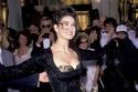 النجمة ديمي مور بفستان سيئ التصميم في أوسكار 1989