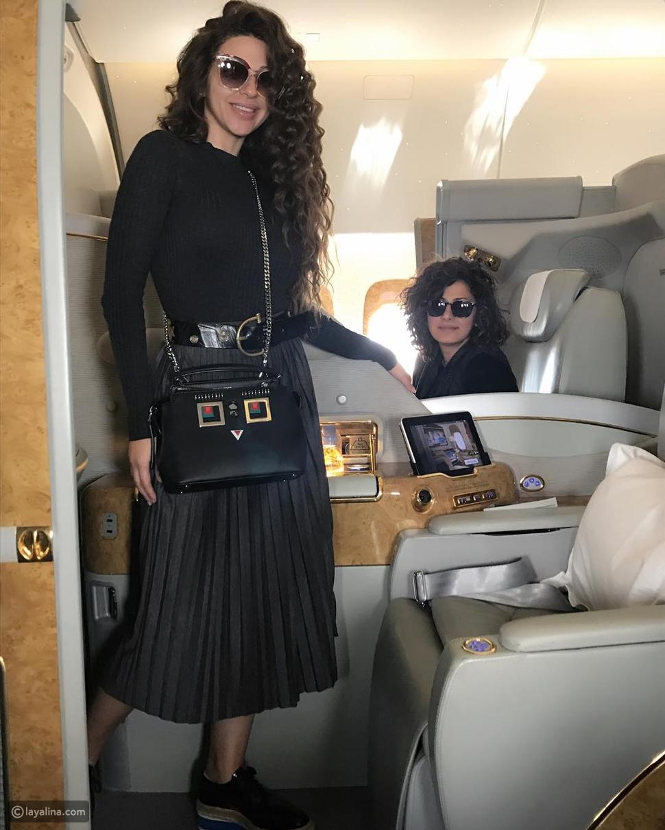 استوحي إطلالاتكِ في السفر من أناقة ميريام فارس