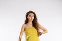 اللون الأصفر في مجموعة Tanya Taylor