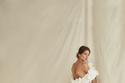 فستان طويل مزين بالورود من مجموعةOscar de la Renta