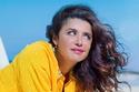 غادة عادل تتألق بالأصفر في جلسة تصوير إعلان طلاقها رسمياً