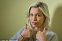 عارضة أزياء سويدية تجري عدة عمليات تجميل لتشبه الشخصيات الكرتونية