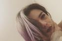ناهد السباعي تستعرض لون شعرها الجديد