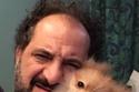 الفنان خالد الصاوي مع كلبه