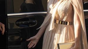 صور فستان إيفانكا ترامب الناعم بحفل زفاف صديقتها يشعل مواقع التواصل