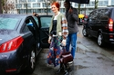 أزياء الستريت ستايل في أسبوع باريس للموضة لخريف شتاء 2016 بين المرح واجرأة