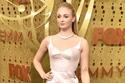 صور: أجمل إطلالات النجمات خلال حفل الإيمي.. إميليا كلارك في فستان جريء