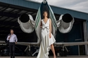 فستان أبيض من مجموعة Badgley Mischka ريزورت 2022