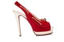 حذاء أحمر من كريستيان لوبوتان