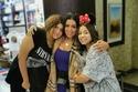 صورة رانيا يوسف مع ابنتيها في المطار