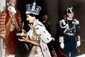الملكة إليزابيث يوم تسلمها لمقاليد الحكم كملكة لبريطانيا