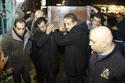 إيهاب توفيق في جنازة والده