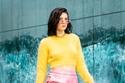 كنزة قصيرة ملونة مع بنطلون بدرجات ألوان مختلفة من مجموعة Ralph & Russo