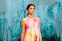 فستان صيفي ملون مطبوع من مجموعة Ralph & Russo