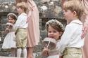 خجل الأمير جورج يجعله يفقد بريقه أمام شقيقته الأميرة تشارلوت