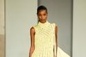 فستان محبوك قصير باللون الأصفر من مجموعة Salvatore Ferragamo