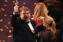 فرحة جنونية للمخرج غيرمو ديل تورو لفوزه بجائزتي أفضل مخرج وأفضل فيلم