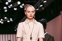 الفخامة الوردية في عرض أزياء  Fendi  في أسبوع الموضة في ميلان