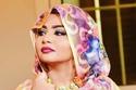 """تعرفوا على المذيعة السودانية التي أسرت القلوب بجمالها في """"فرح السودان"""""""