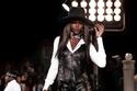 عرض أزياء Tommy Hilfiger يتحول إلى ساحة غناء في أسبوع الموضة بنيويورك