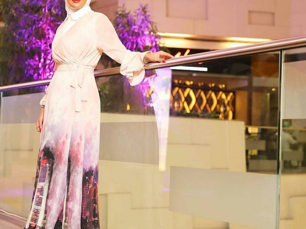 أزياء المحجبات: استعدي للعيد ونسقي ملابسك من أزياء المشاهير