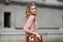موضة حقائب التسوق بصيف 2021 مع فستان