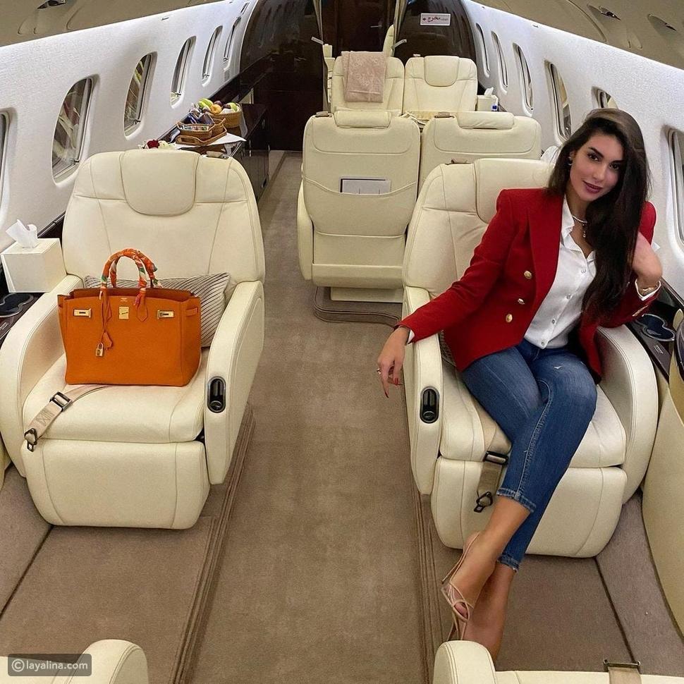 ياسمين صبري تثير الجدل مجدداً بطائرتها الخاصة وهذا سعر الجاكيت الأحمر