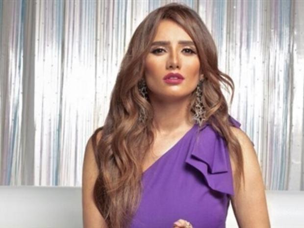 زينة تربح جولة جديدة ضد أحمد عز