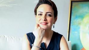 ريهام عبد الغفور تفاجئ الجمهور بوسامة ابنها الشاب...شاهدوا كيف أطل