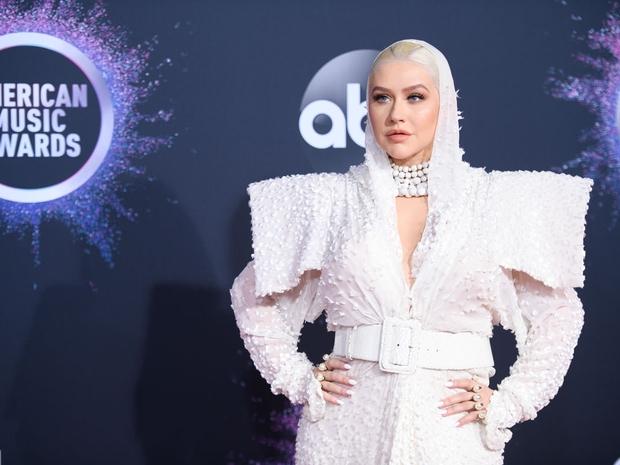 أبرز إطلالات المشاهير في حفل جوائز AMAs 2019
