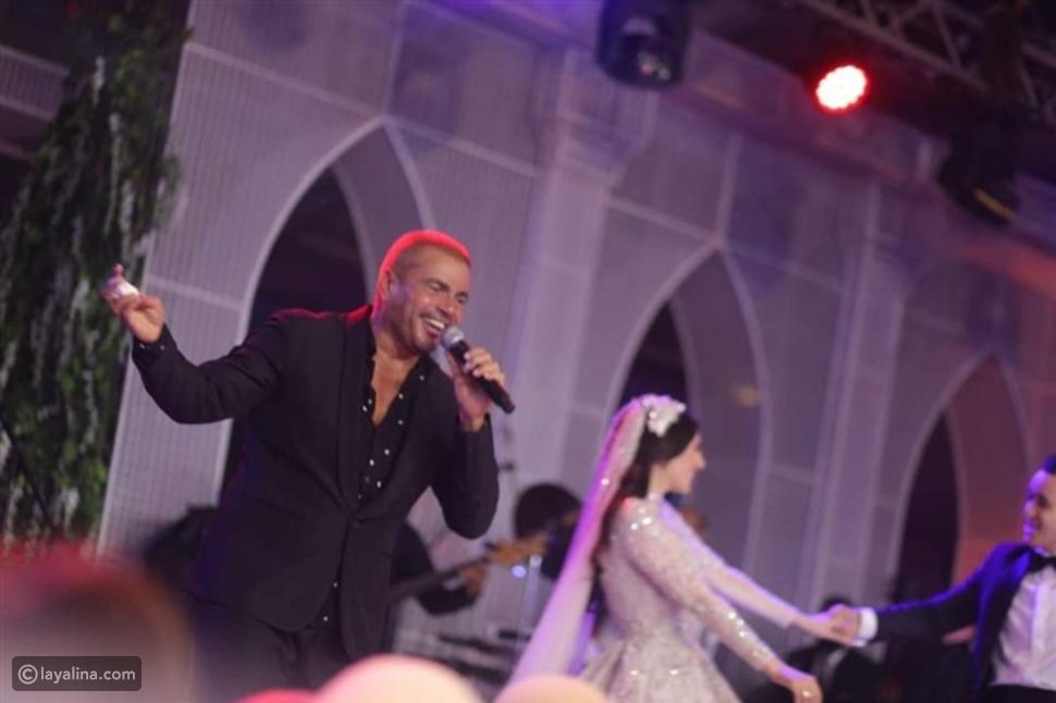 عمرو دياب في أحد حفلات الزفاف